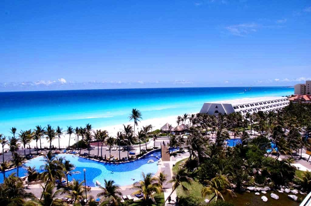 pool and beach grand oasis hotel cancun